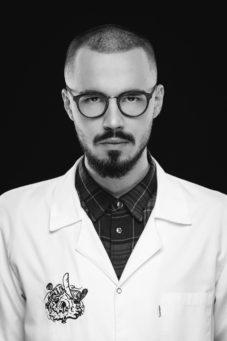 #Pracownia Meskich Portretow Adam-0018